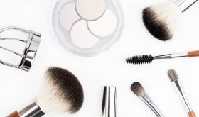 makeup-brush-1768790_640-640x377